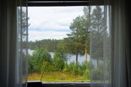 Room with  lake view in Lapland